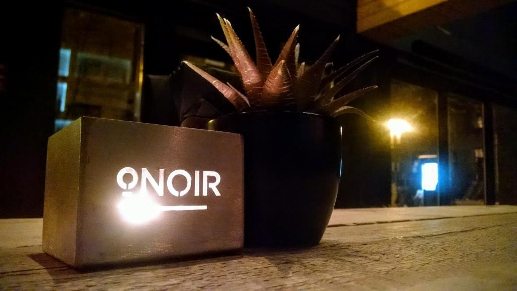 O.Noir blind restaurant by Where Woman Wanders